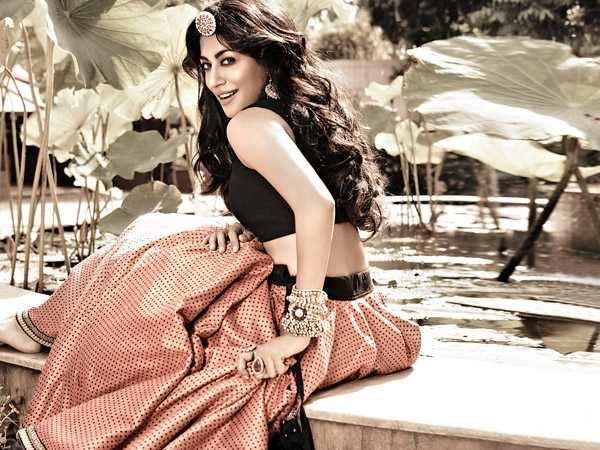 I'm not like Kareena -  Chitrangda Singh