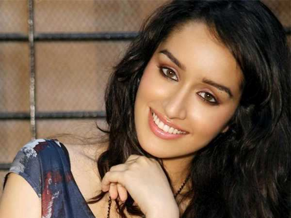 """I'm a diehard romantic"" - Shraddha Kapoor"