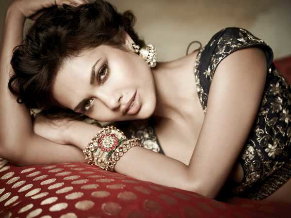 My sexiest asset is my waist - Esha Gupta