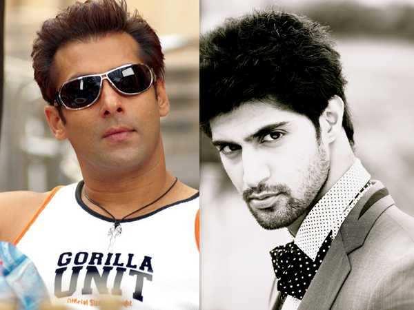 Salman Khan pulls down Tanuj's pants