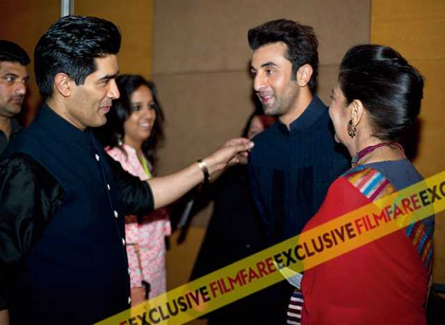 Hosts Manish Malhotra and Shabana Azmi share a light-hearted moment with Ranbir a few seconds before he gives his speech on stage