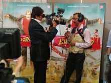 Amitabh Bachchan turns an interviewer!