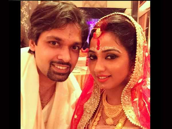 Shreya Ghoshal gets hitched!