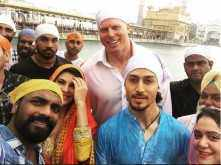 Flying Jatt seeks blessings at Golden Temple