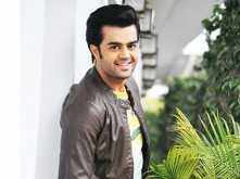 Manish Paul to make his Marathi debut