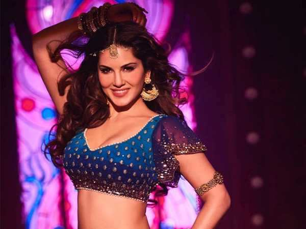 It's here! The first look of Sunny Leone's song from Raees is out