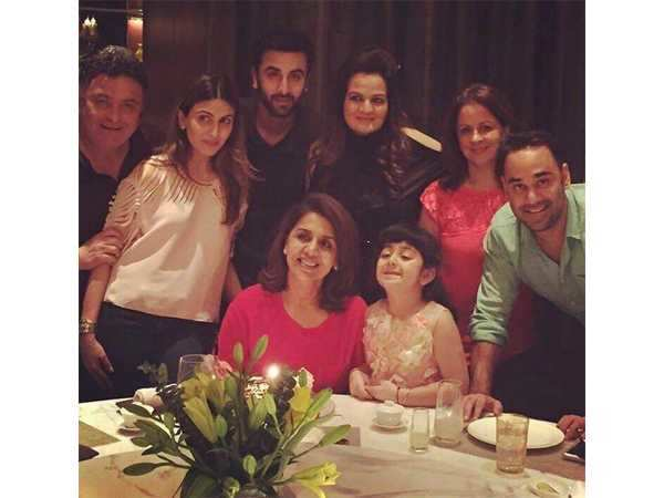 Rishi Kapoor and Ranbir Kapoor celebrate Neetu's birthday