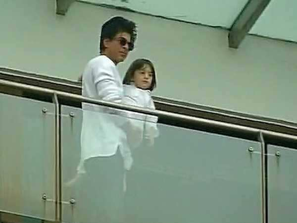 Shah Rukh Khan and AbRam wishing fans Eid is the sweetest thing you'll see today