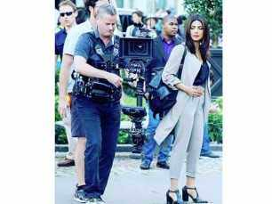 Priyanka Chopra looks stunning while shooting for Quantico