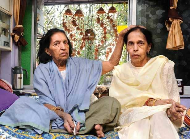 Mubarak Begum with her daughter