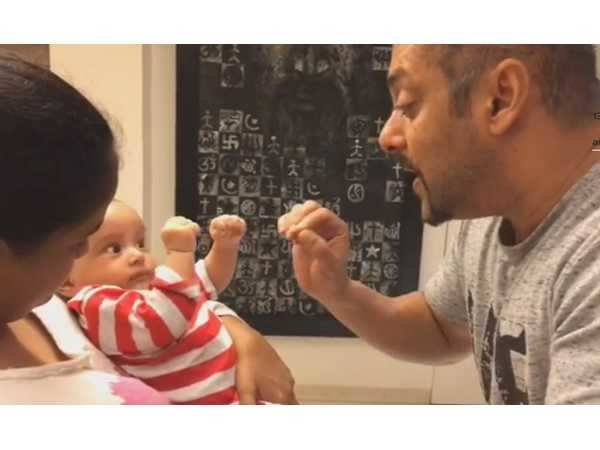 Salman Khan teaches Ahil to sing Hero and fight like Sultan