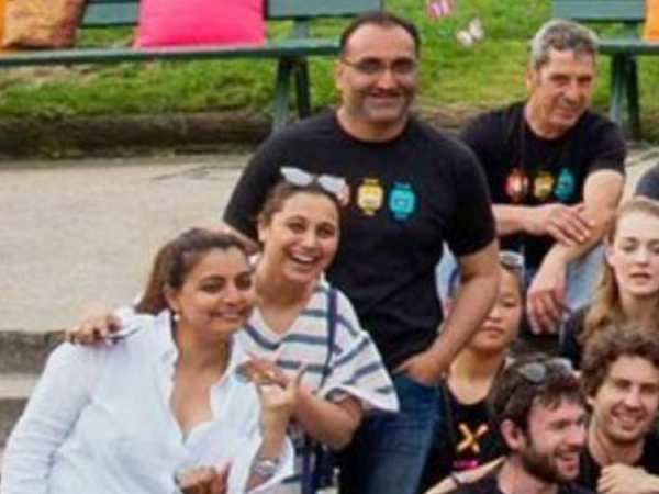 Aditya Chopra and Rani Mukerji clicked on the sets of Befikre
