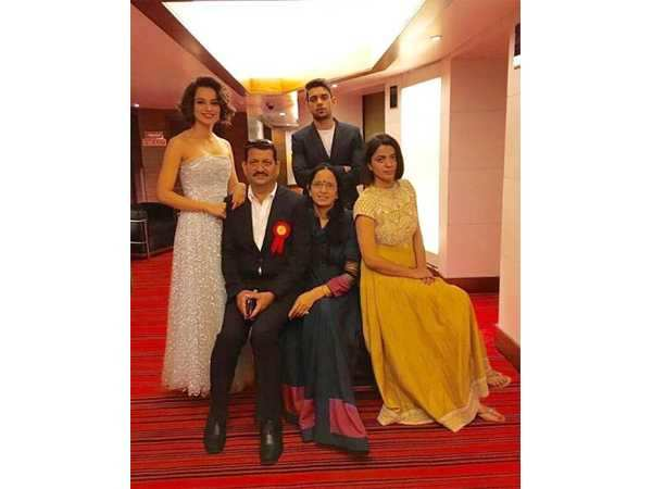You have to see these adorable pictures of Kangana Ranaut with her family