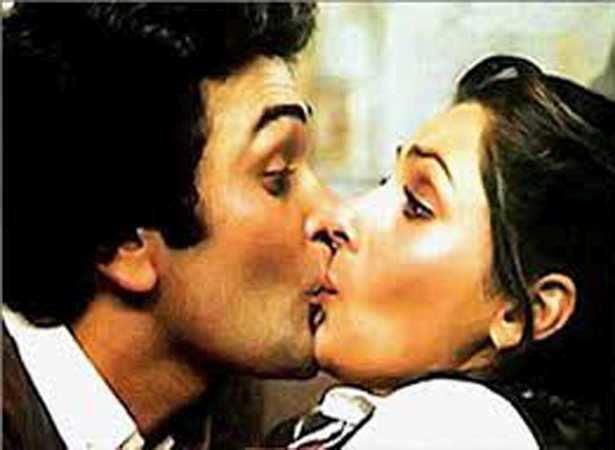 12 Most Iconic Kisses Of Hindi Cinema  Filmfarecom-8274