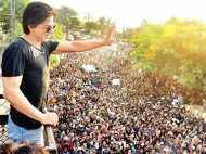 Shah Rukh Khan crossed 21 million on Twitter and thanked each one of his follower with a movie!