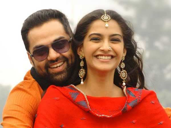Should Sonam Kapoor have replied to Abhay Deol?