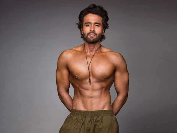 Jackky Bhagnani all set to raise a serious issue