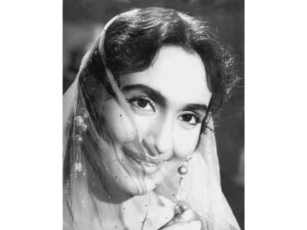 'Her palms smelt of Chandan' : A detailed account of the life of the legendary Nutan