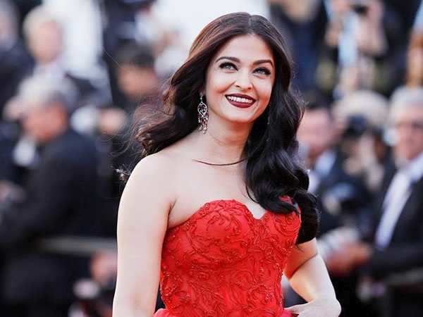 Aishwarya Rai Bachchan reveals that she was very clear about choosing Indian cinema over Hollywood