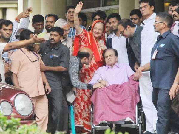 Good News! Dilip Kumar gets discharged from the hospital, Saira Banu thanks well-wishers