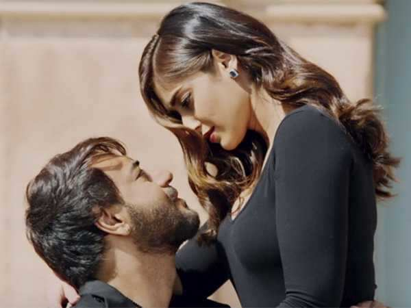 Ajay Devgn reveals that he has no kissing scene in Baadshaho