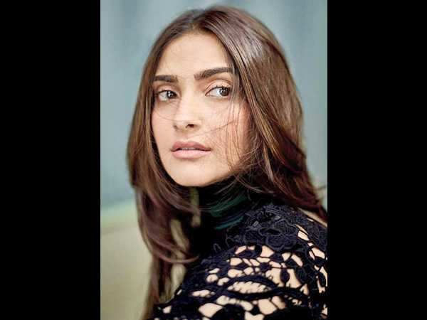 Interesting! Sonam Kapoor does not want to take credit for those stylish airport looks
