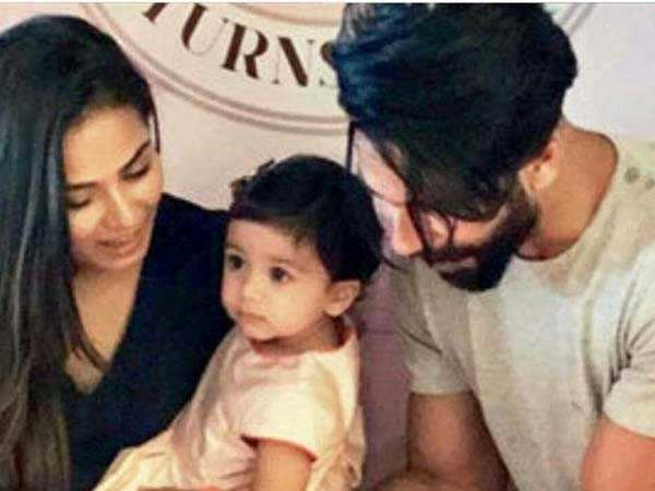 Cuteness Overload! Misha Kapoor cuts her birthday cake with parents Mira and Shahid Kapoor