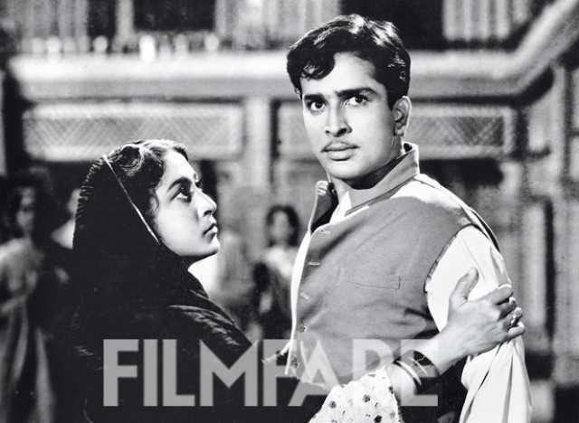Profiling Shashi Kapoor's glorious career