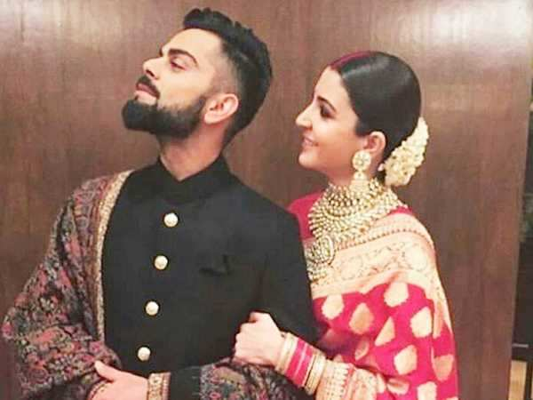 All the inside photos & videos of Virat Kohli and Anushka Sharma having fun at their Delhi reception