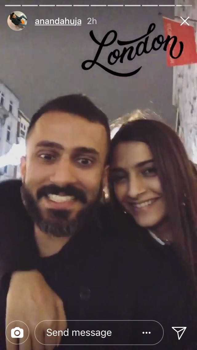 London Diaries! Sonam Kapoor & Anand Ahuja go all mushy this Christmas and these pictures are proof!