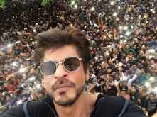 Shah Rukh Khan gets funny, witty and philosophical on Twitter with #AskSRK