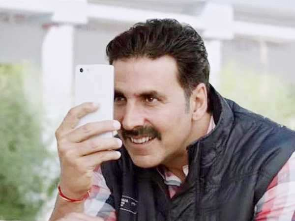 Akshay Kumar clears the air about Toilet: Ek Prem Katha promoting stalking women