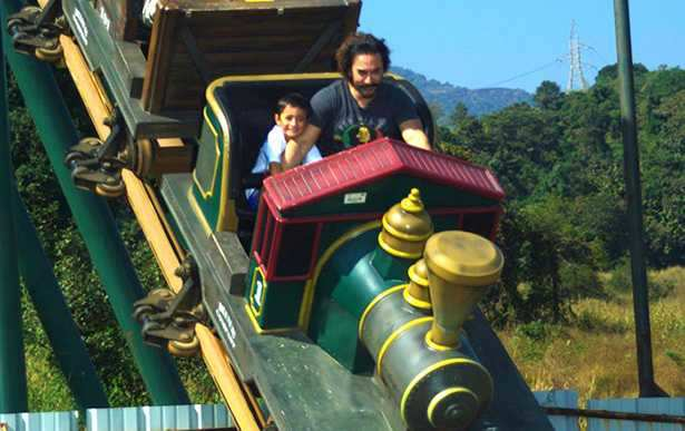 Aamir Khan and Kiran Rao celebrate Azad's 6th birthday in a theme park