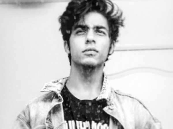 Aryan Khan posts a hot selfie with the coolest caption