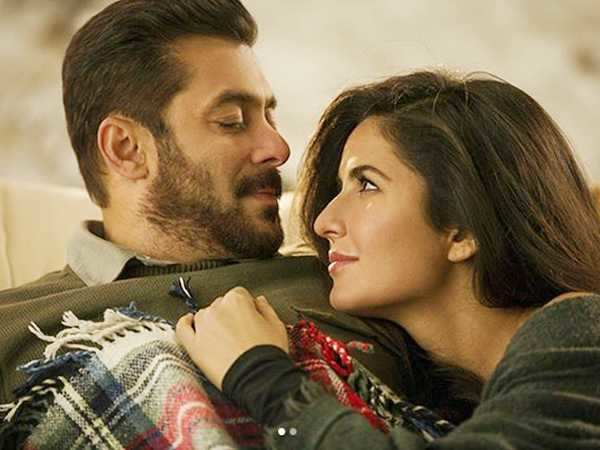 Salman Khan and Katrina Kaif cuddle in the new still from the song Dil Diyan Gallan