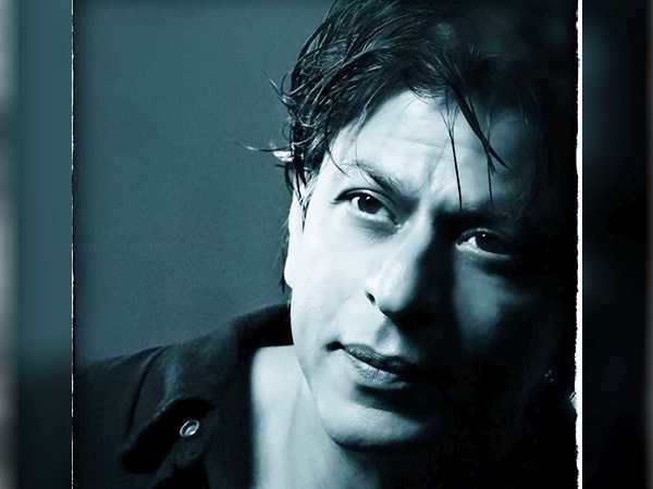 Treat for Shah Rukh Khan's 30 million twitter followers