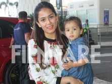 Aww! Misha Kapoor looks all paparazzi ready along with mommy Mira Kapoor