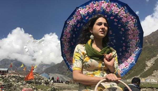 Sara Ali Khan looks gorgeous in this Kedarnath still