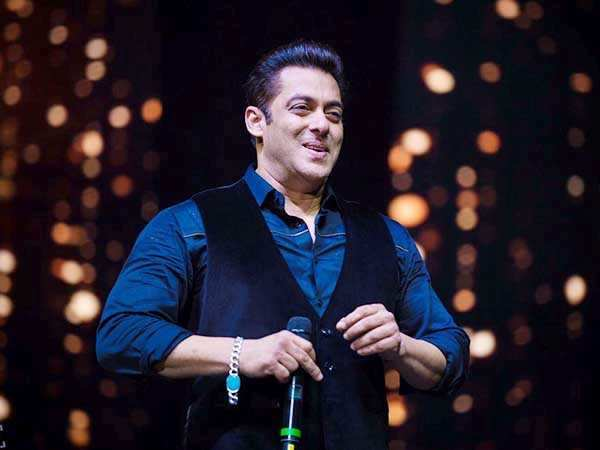 Videos! Salman Khan's Da-Bangg tour creates havoc in UK