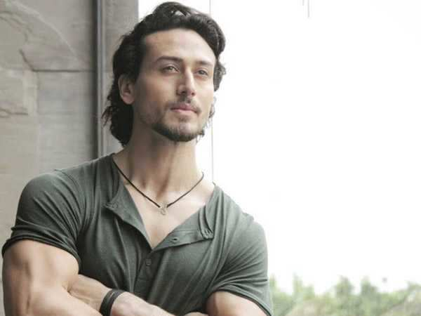 Tiger Shroff to shave off his head for Baaghi 2