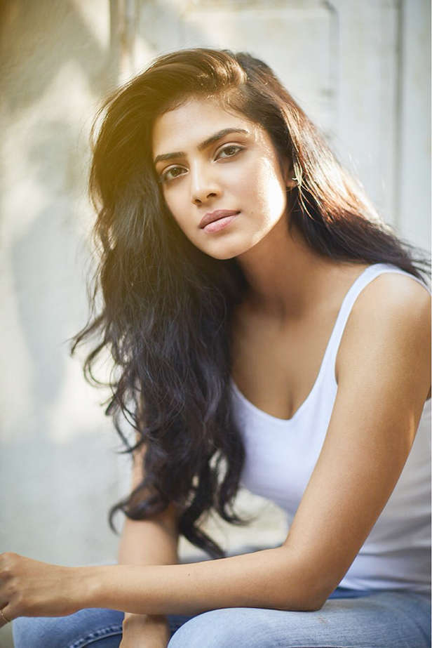 Exclusive! Malavika Mohanan says she would love to work with Shah Rukh Khan