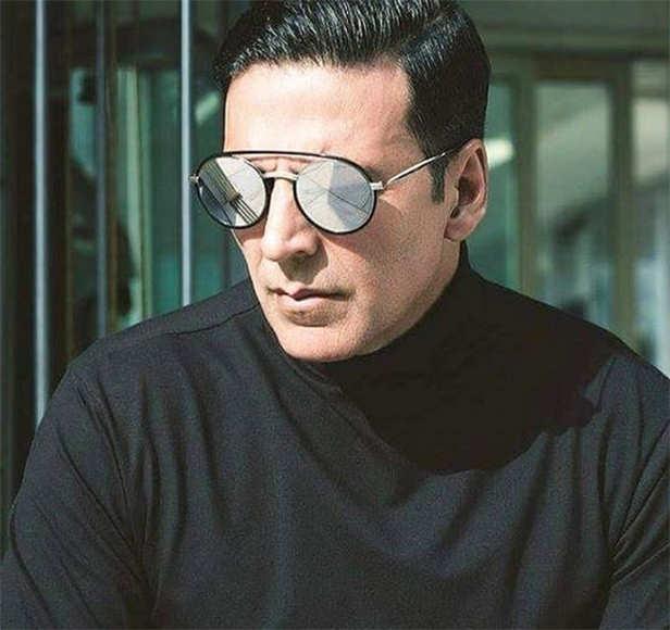 Kareena Kapoor Khan, Taimur Ali Khan, Akshay Kumar