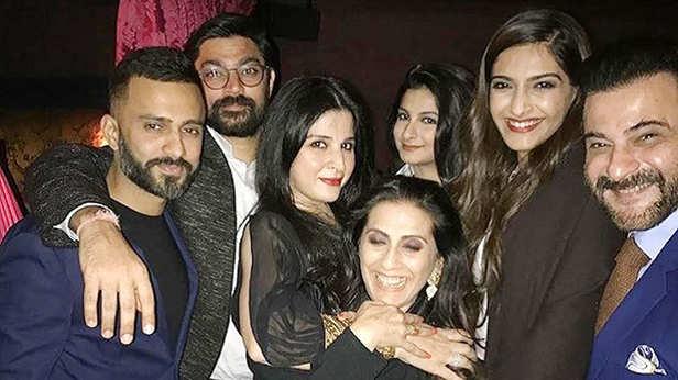 Sonam Kapoor, Sunita Kapoor