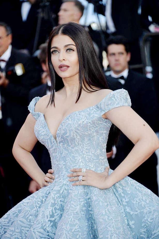 Deepika Padukone, Kareena Kapoor Khan, Sonam Kapoor, Aishwarya RaiBachchan, Kangana Ranaut