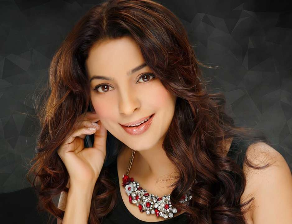 Juhi Chawla gets talking about the plastic ban