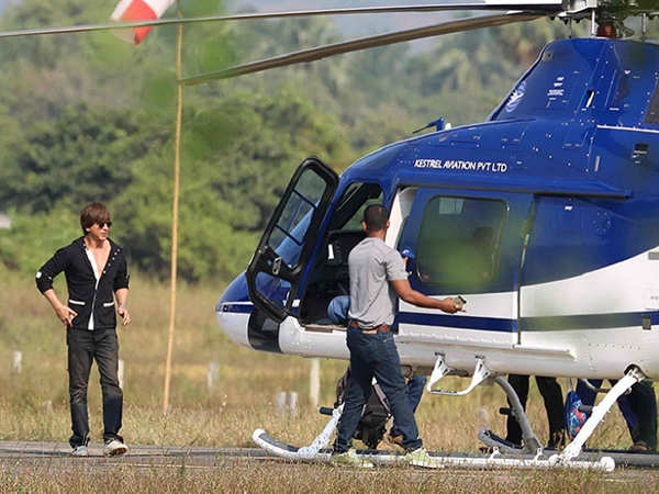 Shah Rukh Khan opts for a chopper ride to reach the sets of Zero