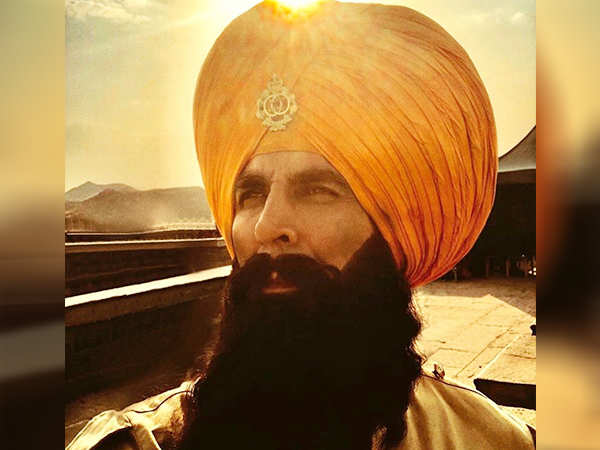 On the occasion of Baisakhi, Akshay shares a new still from Kesari