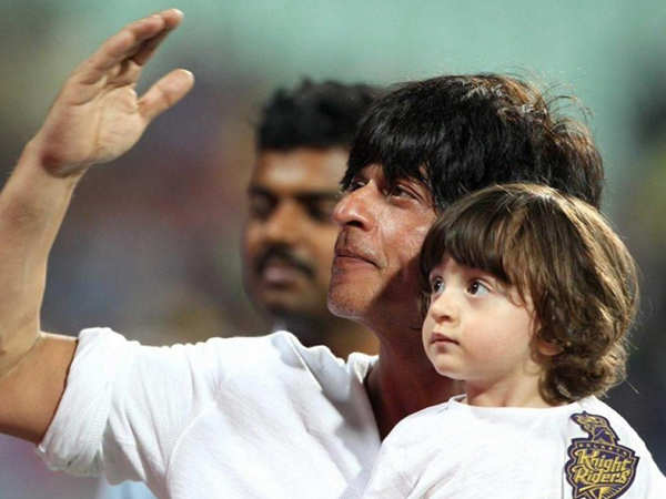 Video: Shah Rukh Khan spotted toy shopping for AbRam Khan
