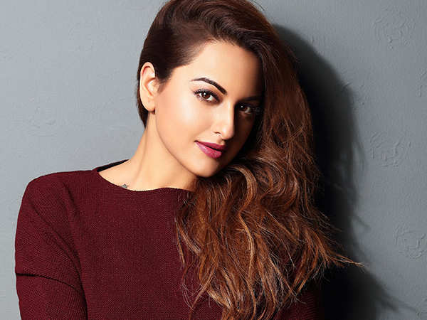 Sonakshi Sinha demands justice for Asifa