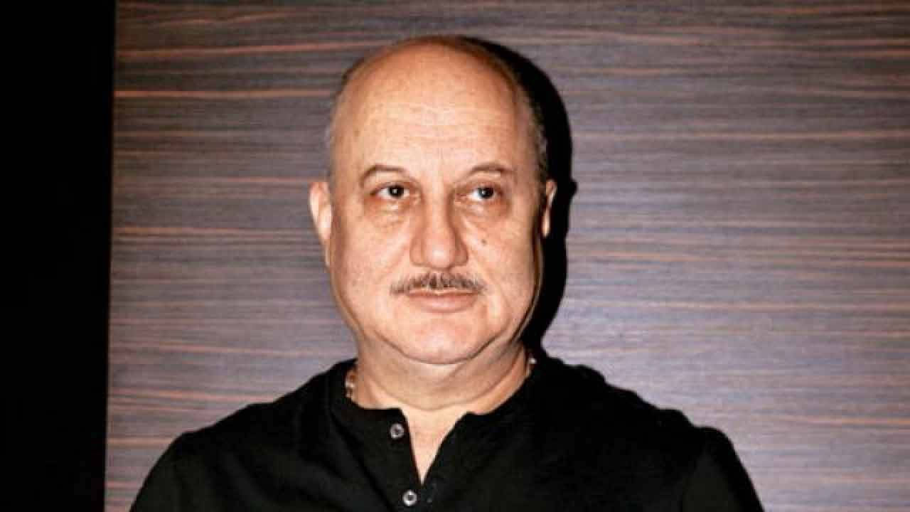 Anupam Kher calls Sonali Bendre his 'Hero'